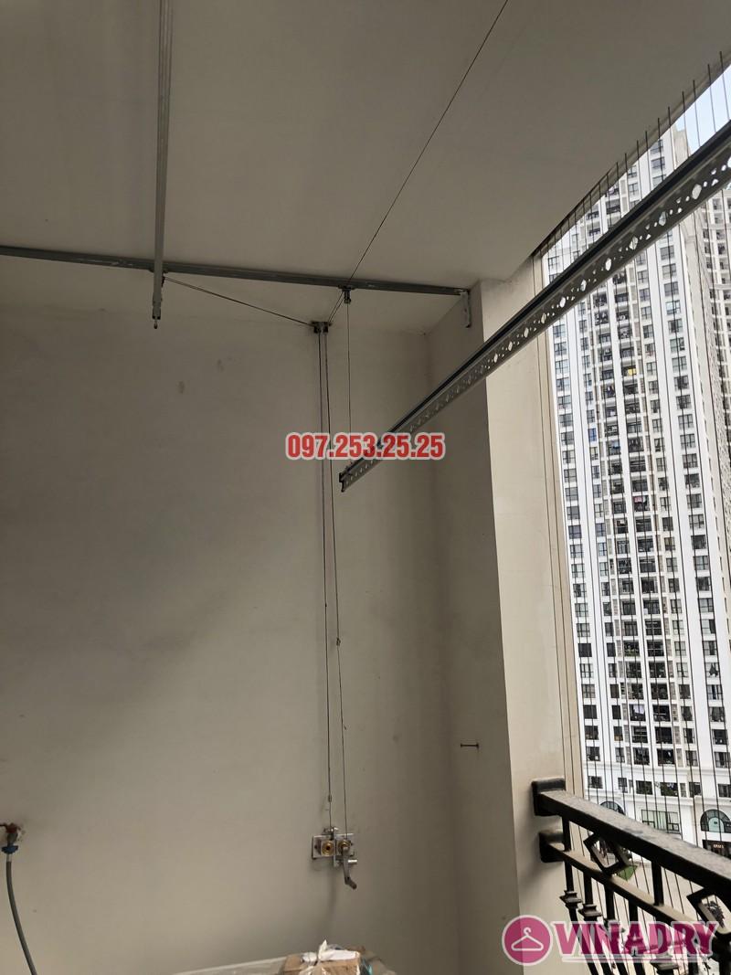 Sửa giàn phơi thông minh tại Royal City nhà chị Đào, căn 915 tòa R4B - 02