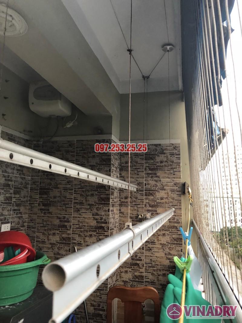 Sửa giàn phơi quần áo nhà chị Thiêm, căn 616, chung cư CT20E, KĐT Việt Hưng - 03