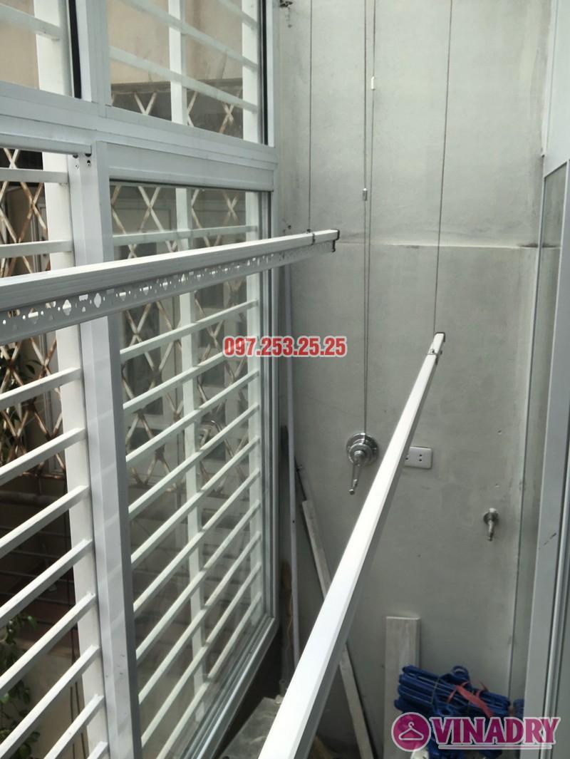 Lắp giàn phơi Hoàn Kiếm: bộ Hòa Phát 701 nhà chị Tình, số 32A Hàng Vôi - 08
