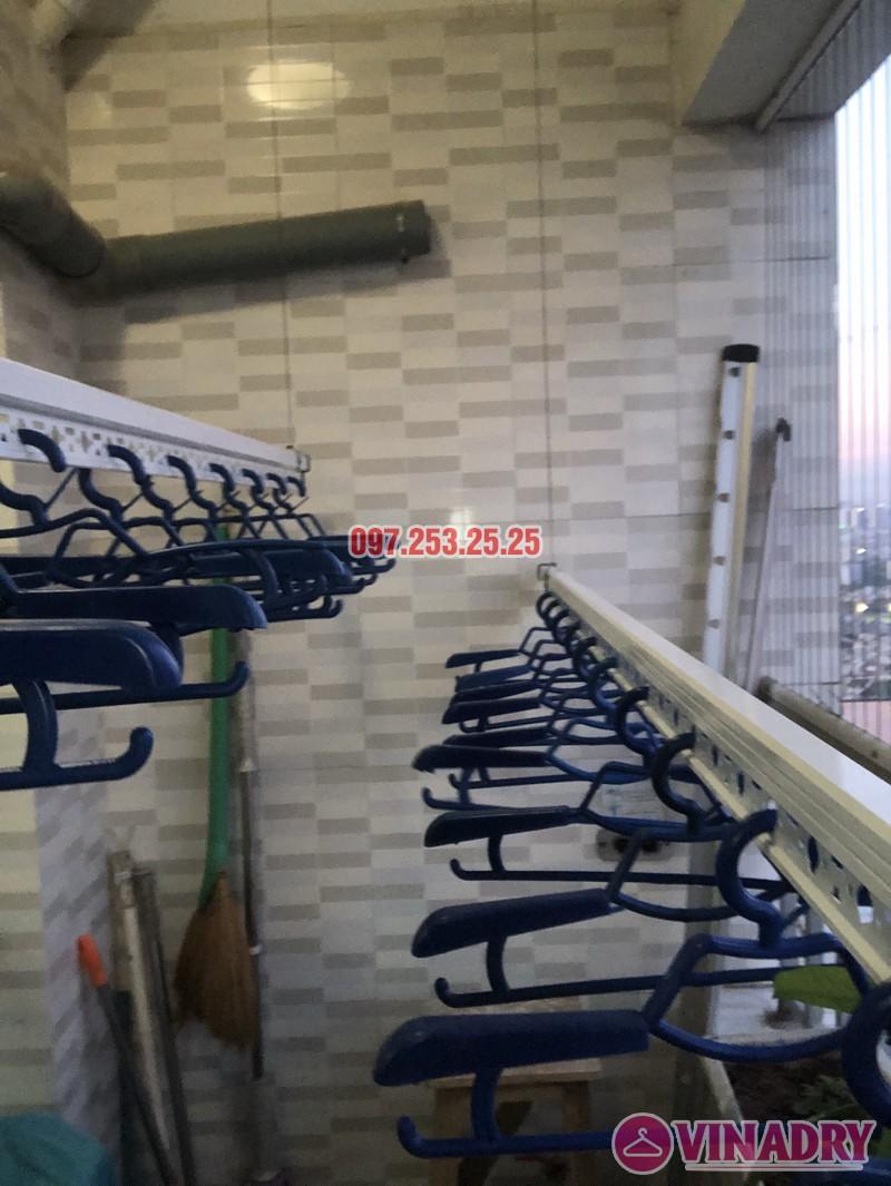 Lắp giàn phơi Hòa Phát giá rẻ cho nhà chị Thiêm, căn 4138, CT12C Kim Văn Kim Lũ - 01