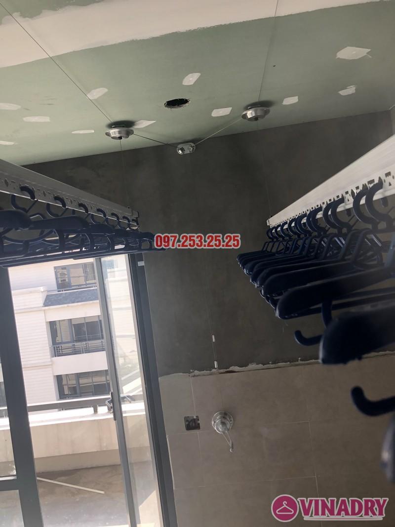 Lắp giàn phơi cho trần thạch cao nhà chị Hậu, nhà E3 khu Pandora 53 Triều Khúc, Thanh Xuân - 04
