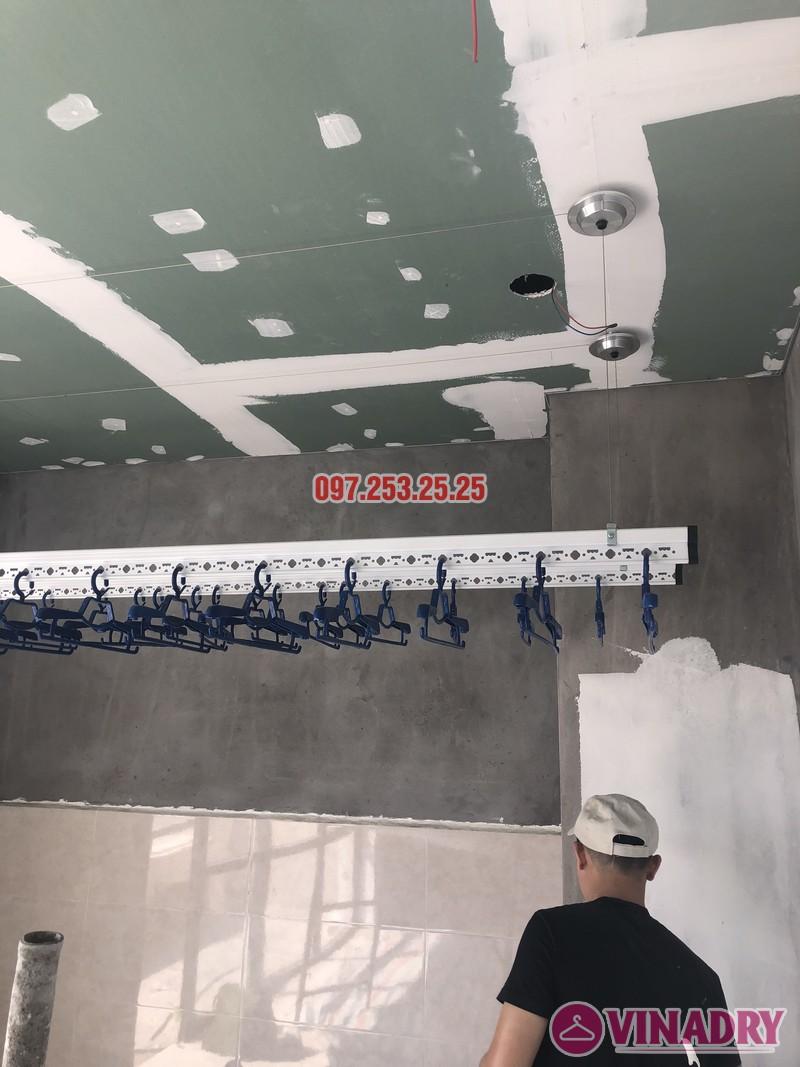 Lắp giàn phơi cho trần thạch cao nhà chị Hậu, nhà E3 khu Pandora 53 Triều Khúc, Thanh Xuân - 08