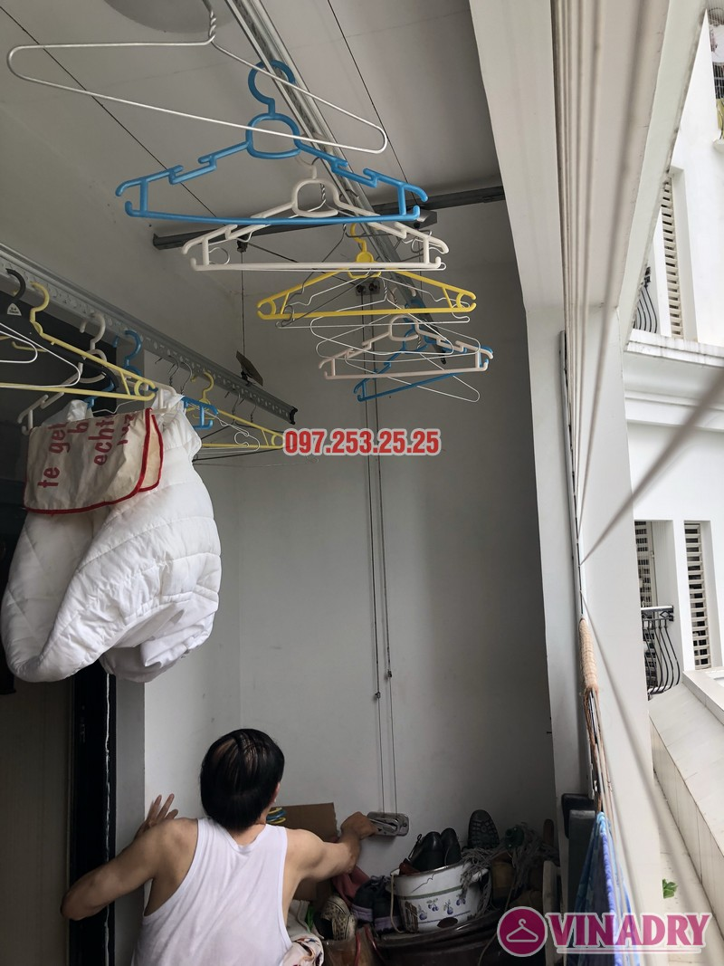 Sửa giàn phơi quần áo tại Thanh Xuân nhà anh Thắng, căn 2a21, tòa R4B Royal City - 04
