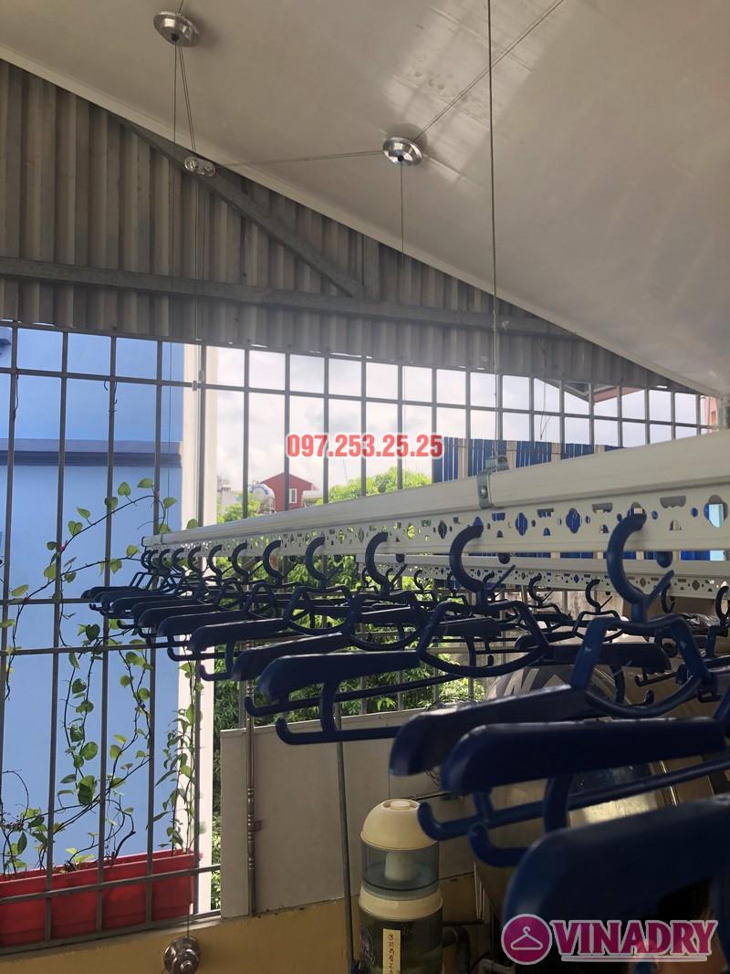 Lắp giàn phơi cho trần nhựa nhà cô Hiền, số 54 ngõ Đình Đông, Hai Bà Trưng, Hà Nội - 01