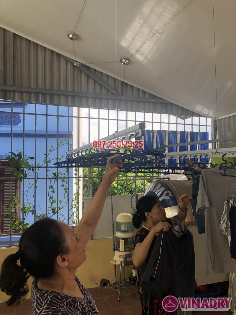 Lắp giàn phơi cho trần nhựa nhà cô Hiền, số 54 ngõ Đình Đông, Hai Bà Trưng, Hà Nội - 05