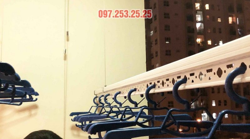 Lắp giàn phơi Hòa Phát nhà anh Chính, căn 403, tòa HH2A, Đơn Nguyên A, ngõ 562 Nguyễn Văn Cừ - 06