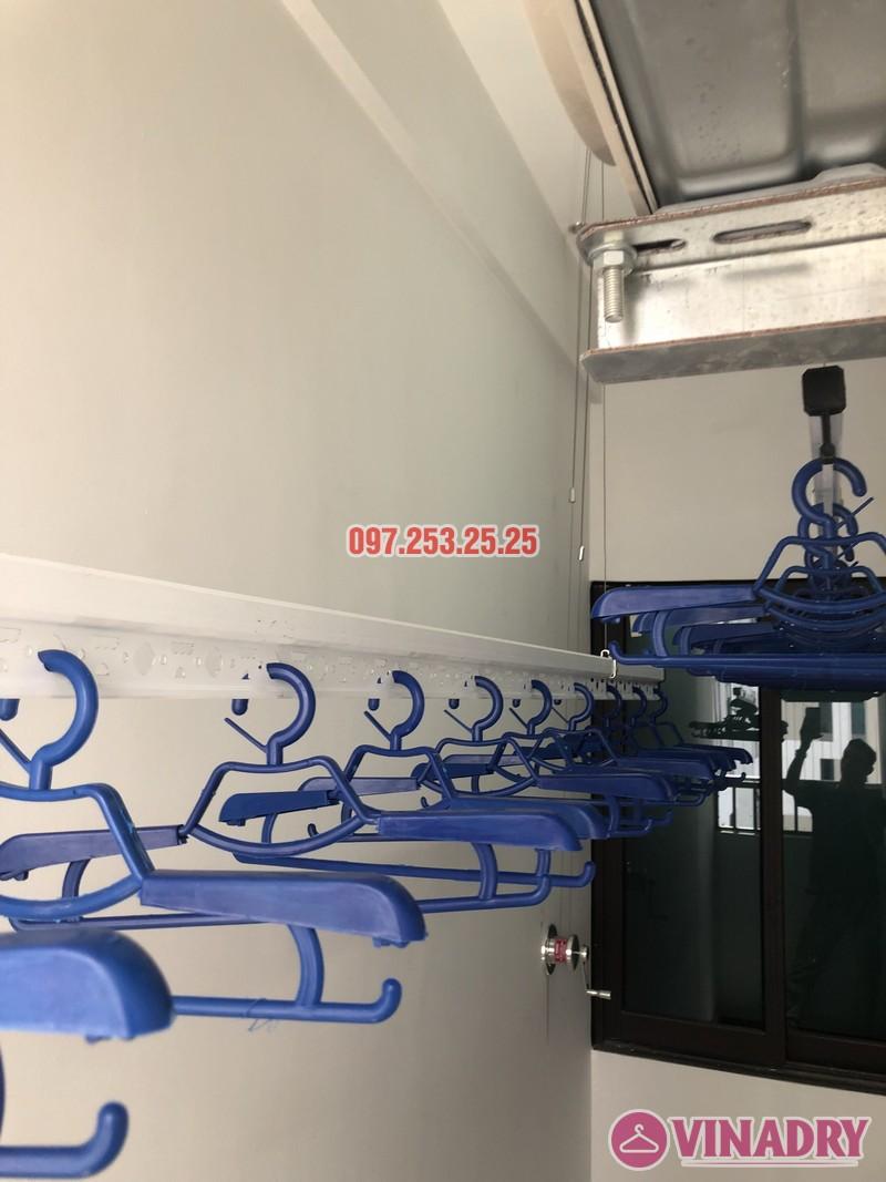 Lắp giàn phơi quần áo nhà chị Thảo, căn 402 tòa C chung cư Valencia Garden, Long Biên, Hà Nội - 03