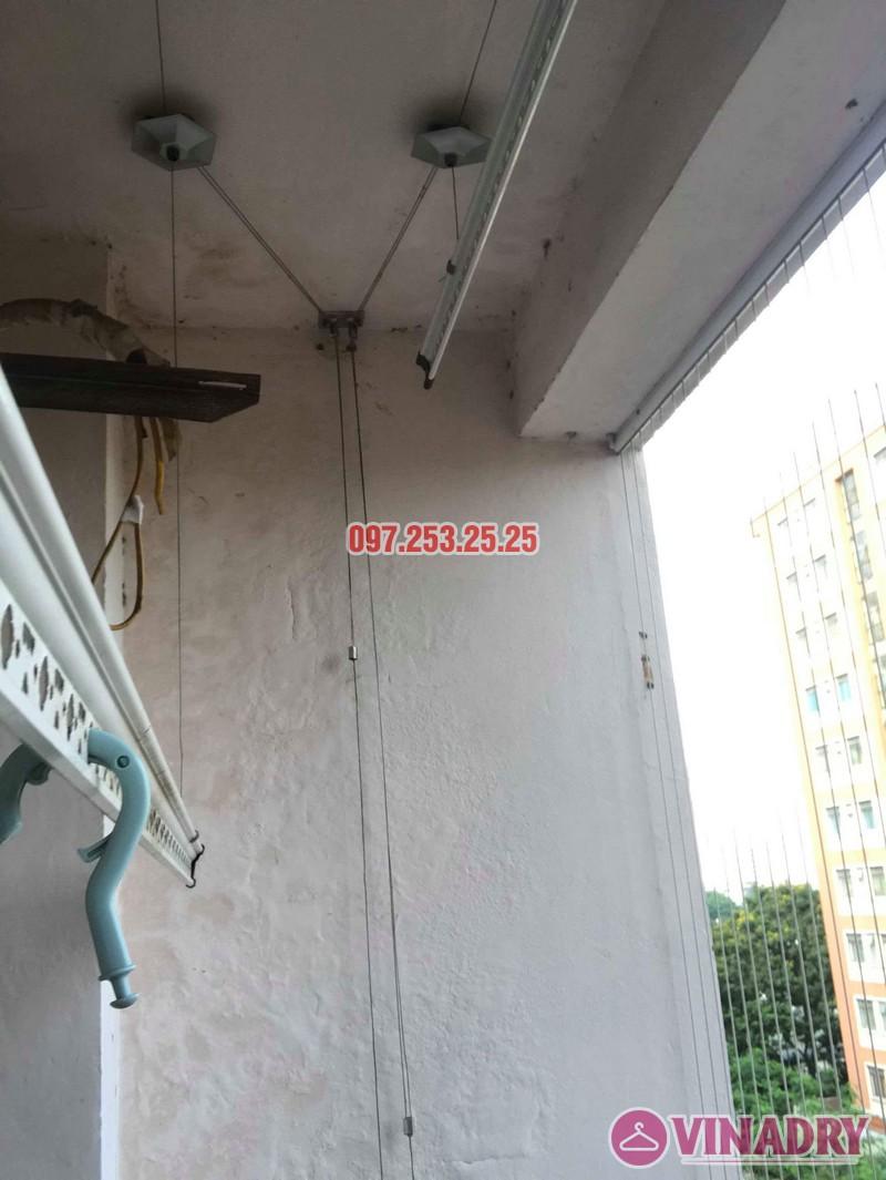 Sửa giàn phơi quần áo nhà anh Hòa, chung cư 101 Láng Hạ, Đống Đa, Hà Nội - 04