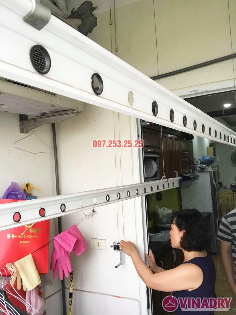 Sửa giàn phơi quần áo nhà chị Hạnh tòa CT12B, KĐT Kim Văn Kim Lũ, Hoàng Mai, Hà Nội - 02