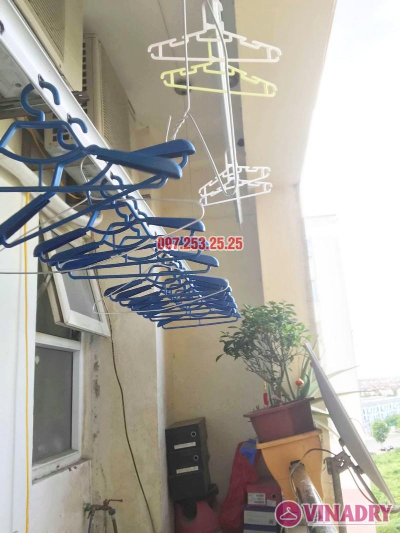Sửa giàn phơi quần áo tại Long Biên nhà chị Trang, căn 806 tòa No 17-1 KĐT Sài Đồng - 03