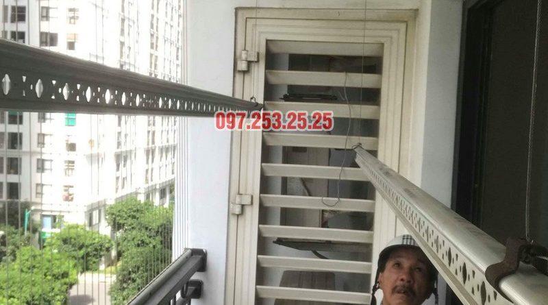 Sửa giàn phơi quần áo nhà chú Hải, tòa T15 Times City, Hai Bà Trưng, Hà Nội - 03