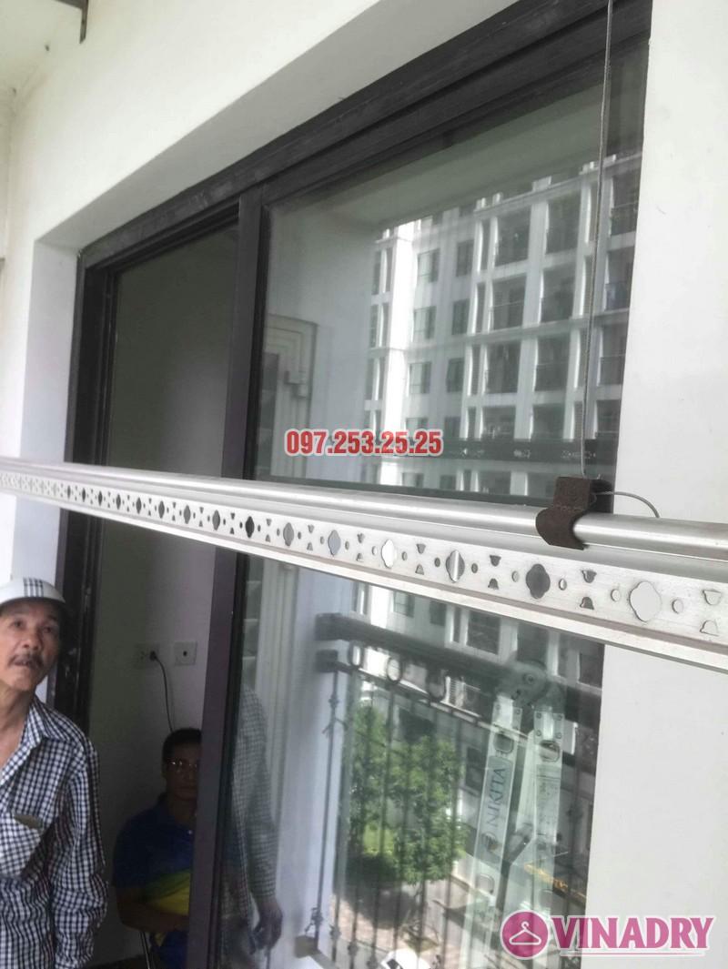 Sửa giàn phơi quần áo nhà chú Hải, tòa T15 Times City, Hai Bà Trưng, Hà Nội - 06
