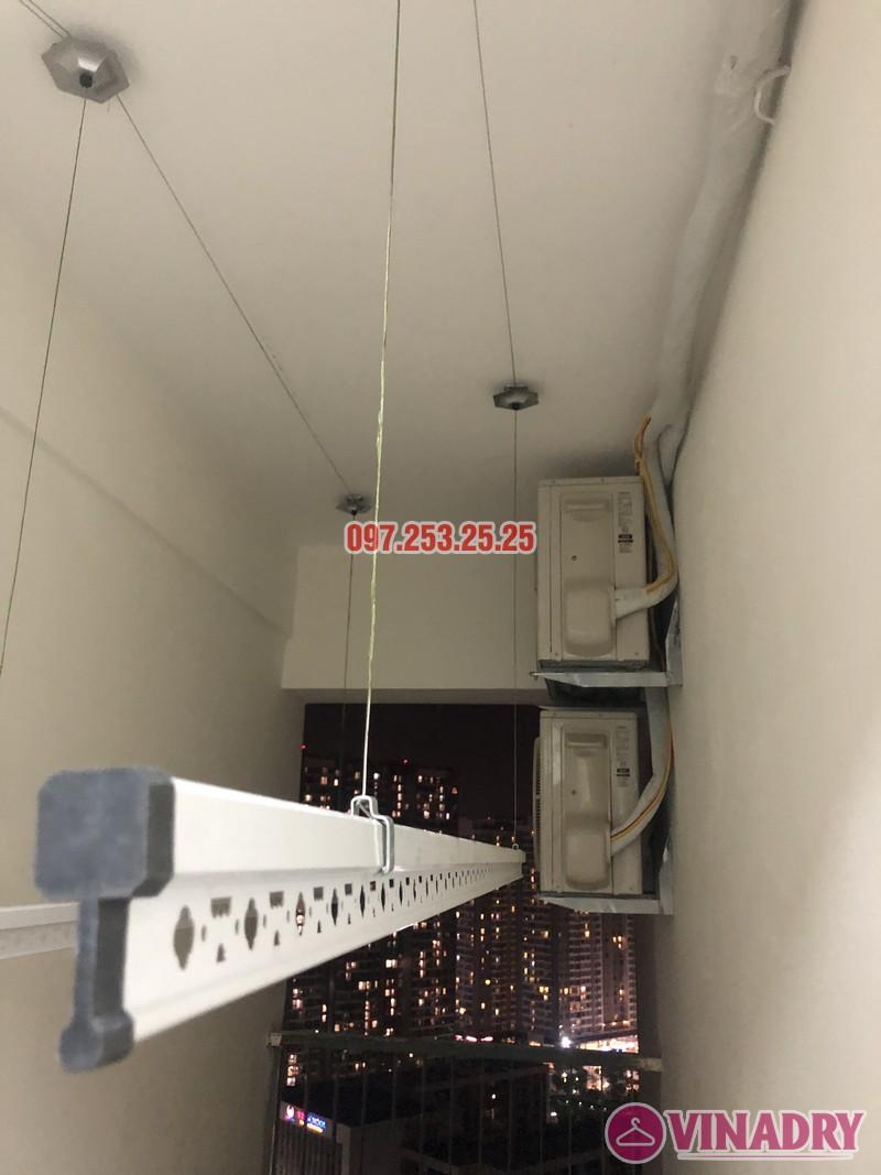 Lắp giàn phơi quần áo giá rẻ nhà chị Hiên, căn 2502, tòa CT2 chung cư Lilama 52 Lĩnh Nam - 01