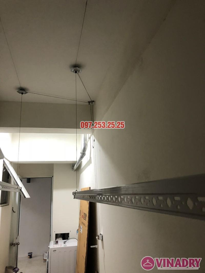 Lắp giàn phơi quần áo giá rẻ nhà chị Hiên, căn 2502, tòa CT2 chung cư Lilama 52 Lĩnh Nam - 03