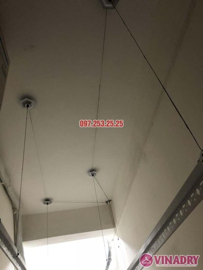 Lắp giàn phơi quần áo giá rẻ nhà chị Hiên, căn 2502, tòa CT2 chung cư Lilama 52 Lĩnh Nam - 07