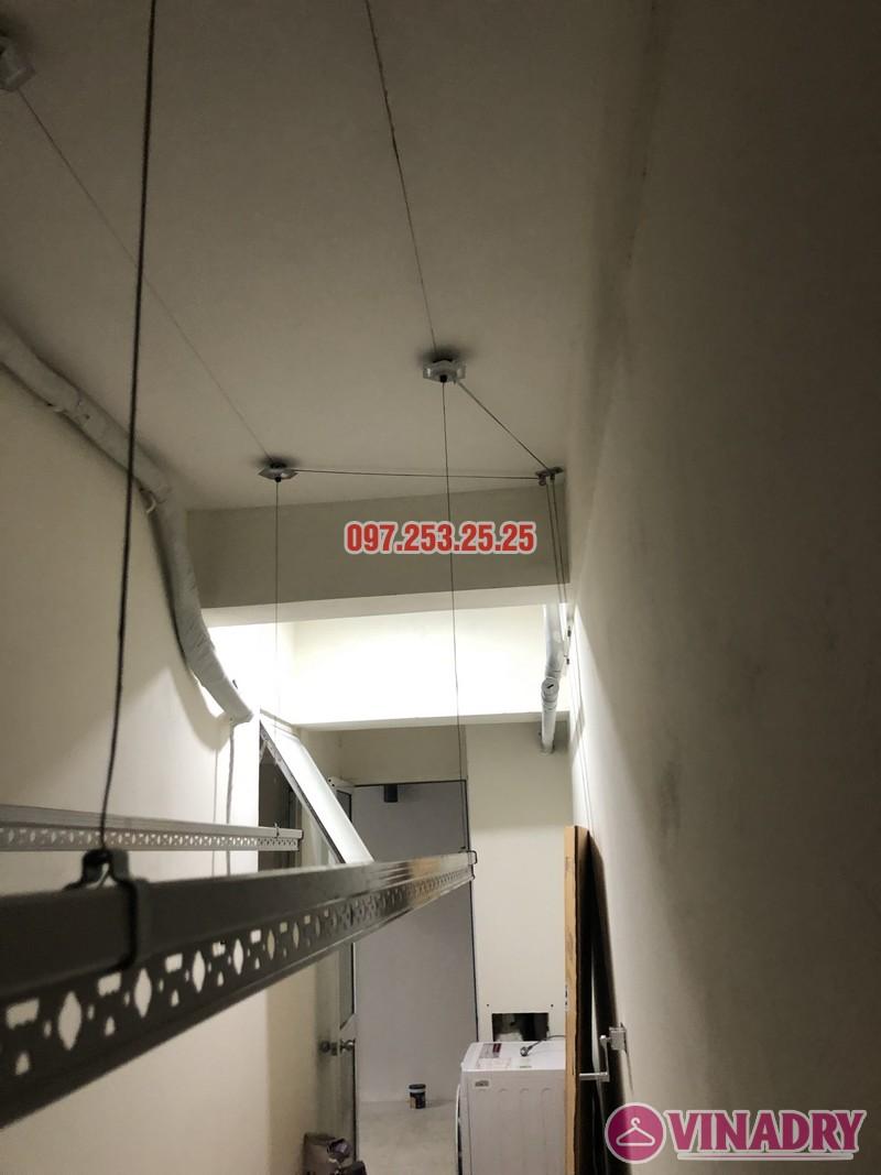 Lắp giàn phơi quần áo giá rẻ nhà chị Hiên, căn 2502, tòa CT2 chung cư Lilama 52 Lĩnh Nam - 08