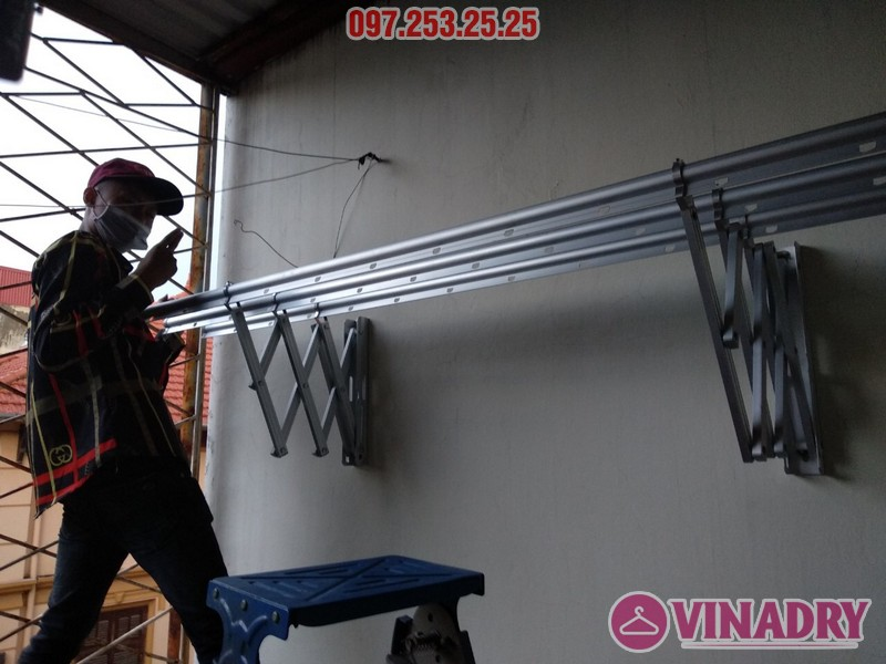 Lắp giàn phơi thông minh kéo ngang nhà chị Khanh, số 17, ngách 162/4 Đông Thiên, Hoàng Mai - 06