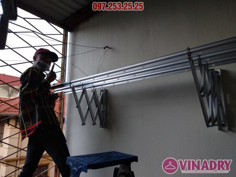 Lắp giàn phơi thông minh kéo ngang nhà chị Khanh, số 17, ngách 162/4 Đông Thiên, Hoàng Mai - 07