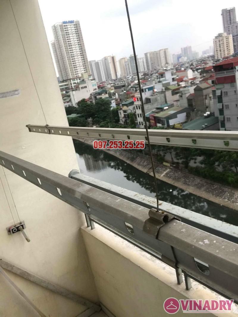 Thay dây cáp giàn phơi thông minh nhà chị Bảo, chung cư CT1 Nam Đô Complex - 02