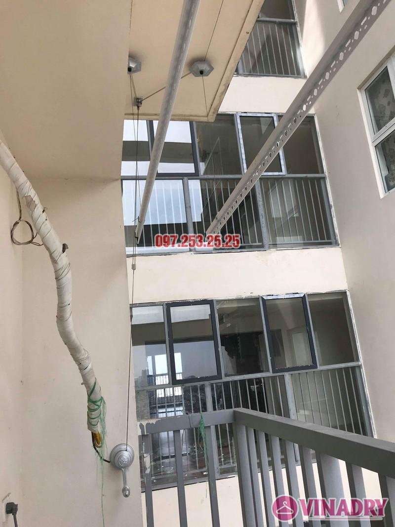 Lắp giàn phơi quần áo tại Long Biên nhà anh Tính, chung cư ngõ 390 Ngô Gia Tự - 01