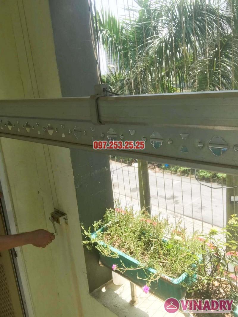 Lắp giàn phơi Hòa Phát 999B nhà anh Minh, Tòa nhà HH2 Gia Thụy, Long Biên - 01