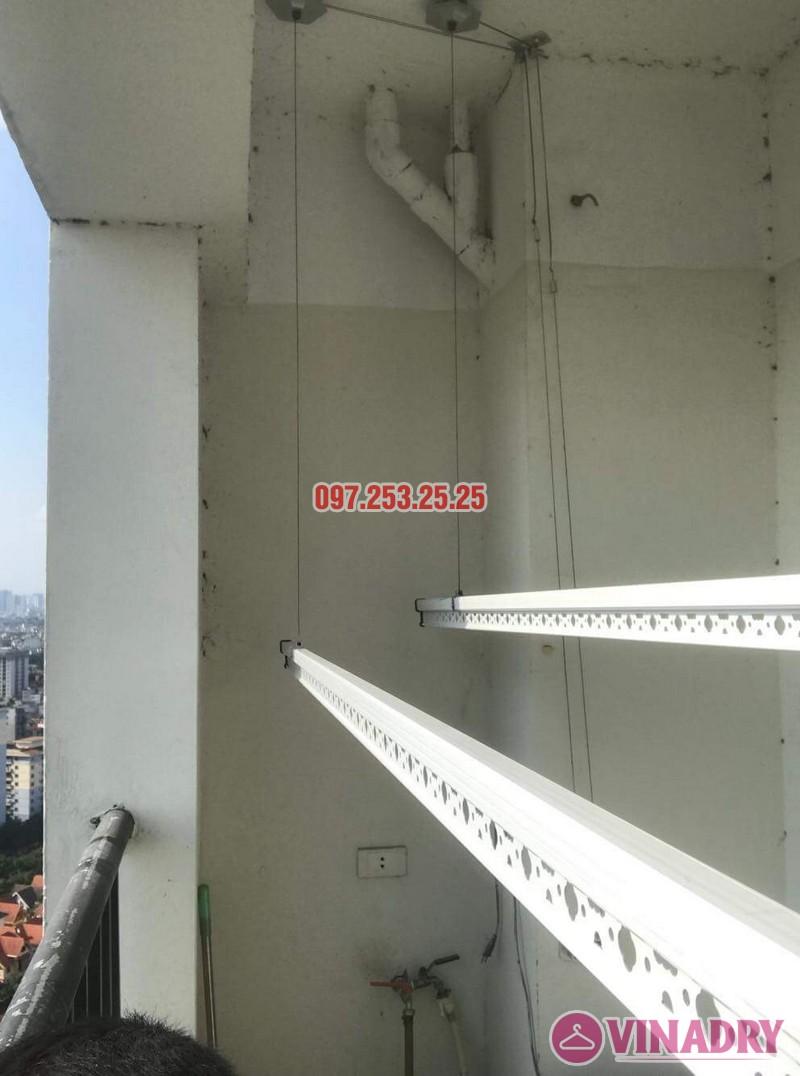 Lắp giàn phơi Hòa Phát giá rẻ nhà anh Mỹ, chung cư HH3 Linh Đàm, Hà Nội - 03
