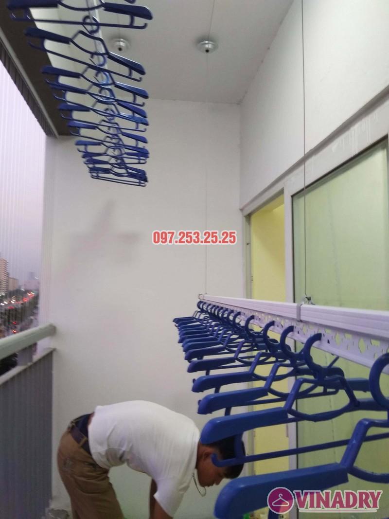 Lắp giàn phơi chung cư Xuân Phương Quốc Hội nhà chị Nga, căn 303, CT2B - 01