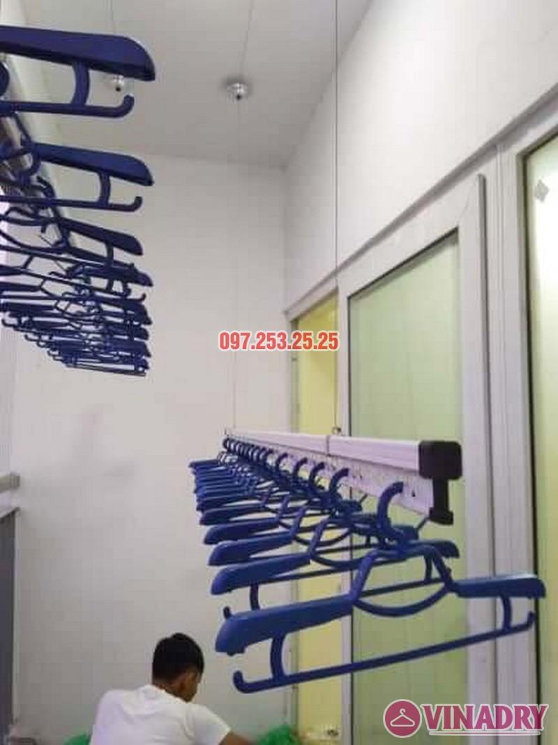 Lắp giàn phơi chung cư Xuân Phương Quốc Hội nhà chị Nga, căn 303, CT2B - 02