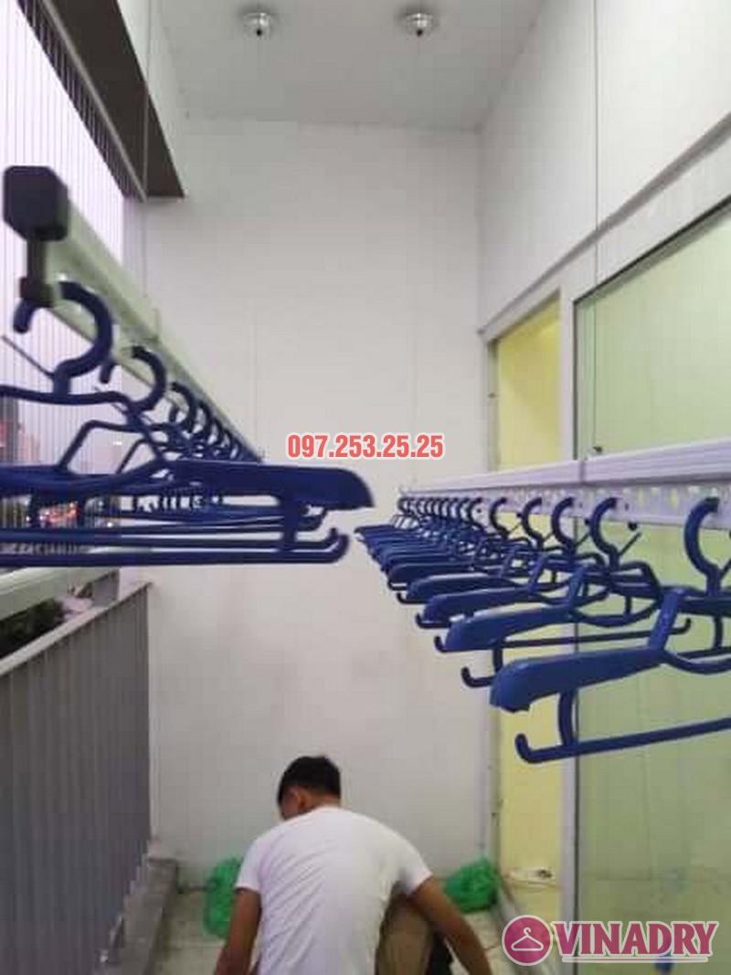Lắp giàn phơi chung cư Xuân Phương Quốc Hội nhà chị Nga, căn 303, CT2B - 05