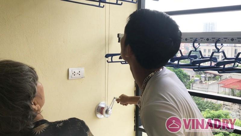 Lắp giàn phơi thông minh chung cư số 3 Vạn Phúc nhà cô Hoa bộ HP701- 01