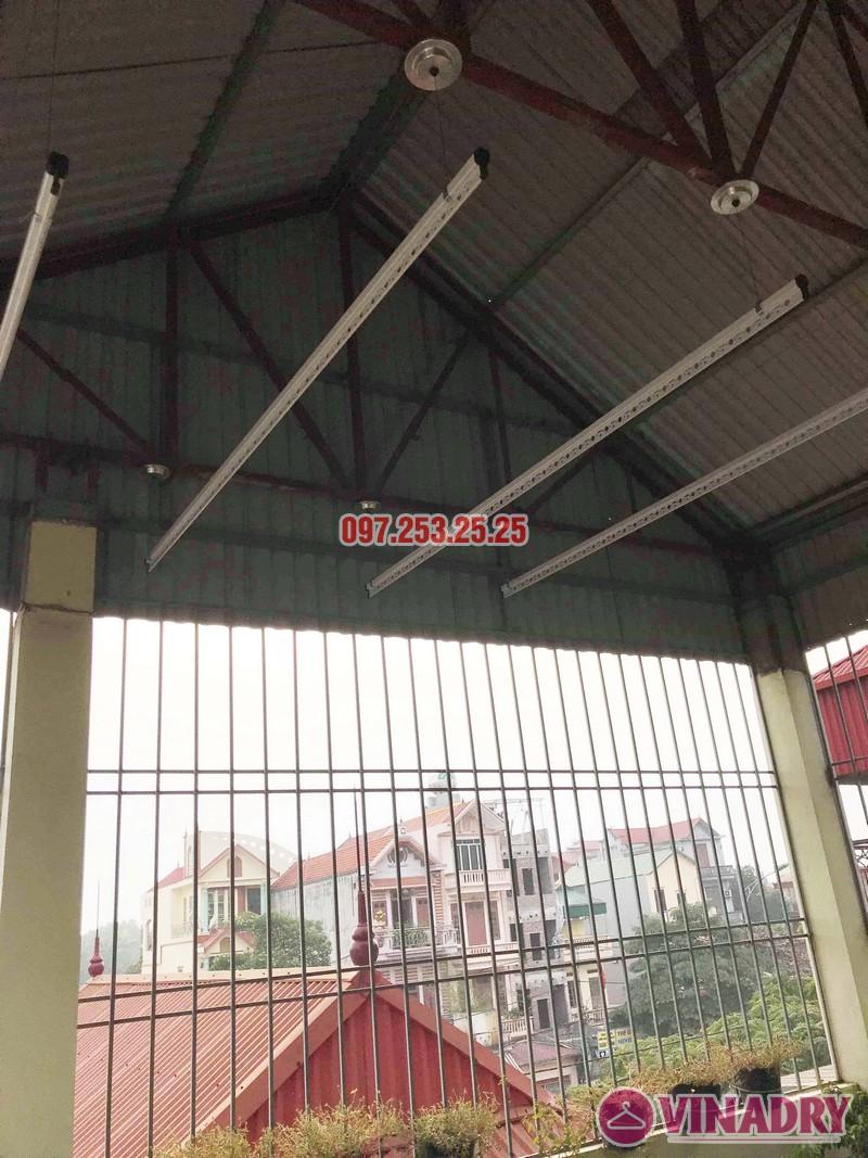 Cách lắp giàn phơi thông minh cho trần mái tôn nhà cô Hảo, Hà Đông, Hà Nội - 02