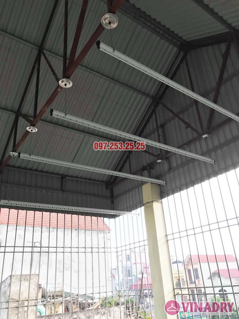 Cách lắp giàn phơi thông minh cho trần mái tôn nhà cô Hảo, Hà Đông, Hà Nội - 03