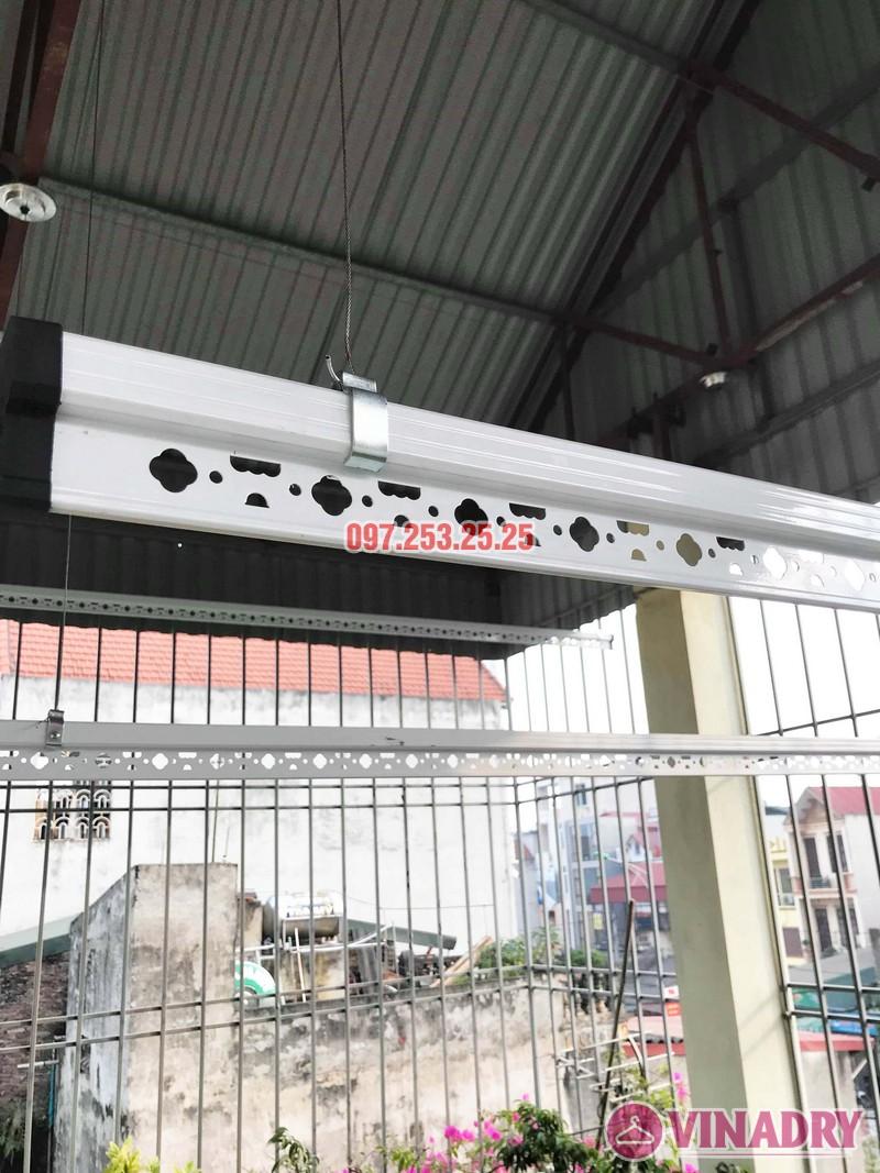 Cách lắp giàn phơi thông minh cho trần mái tôn nhà cô Hảo, Hà Đông, Hà Nội - 05