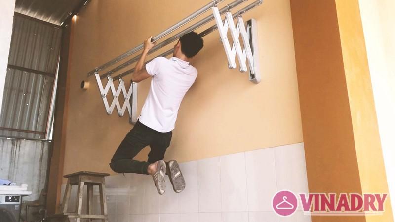 Lắp giàn phơi gắn tường, xếp ngang tại Hà Đông nhà chị Khánh, tổ 15 Yên Nghĩa - 02