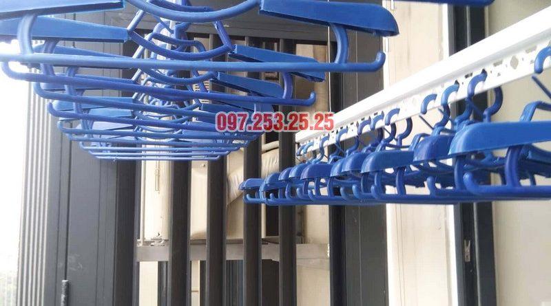 Lắp giàn phơi chung cư Goldseason 47 Nguyễn Tuân nhà anh Phú, 2 bộ HP701 - 03
