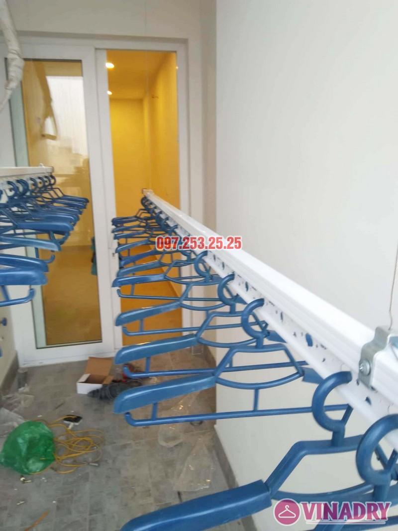 Lắp giàn phơi chung cư Goldseason 47 Nguyễn Tuân nhà anh Phú, 2 bộ HP701 - 04