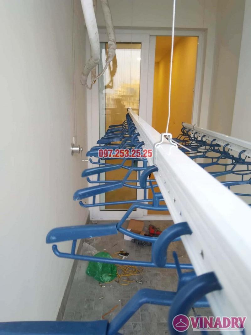 Lắp giàn phơi chung cư Goldseason 47 Nguyễn Tuân nhà anh Phú, 2 bộ HP701 - 05