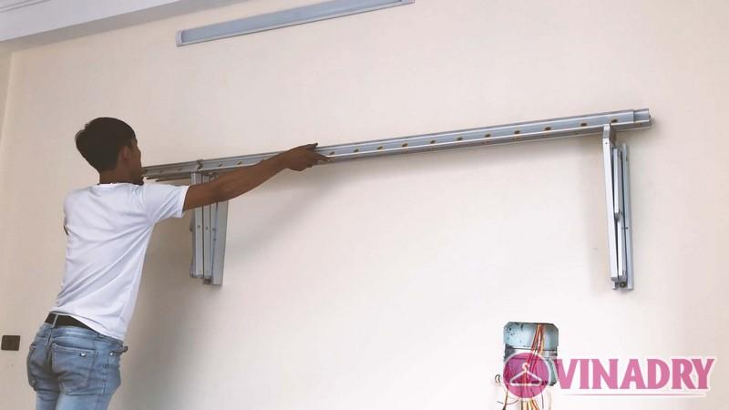 Lắp giàn phơi gắn tường cao cấp Hòa Phát tại Long Biên nhà chị Tiên - 06
