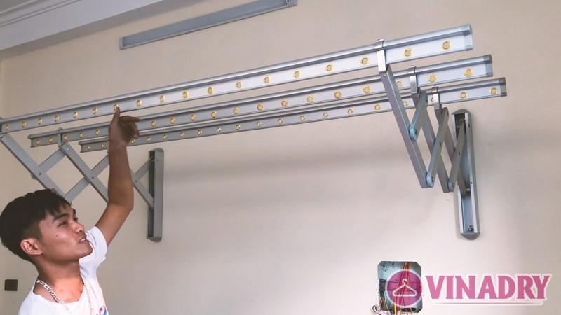 Lắp giàn phơi gắn tường cao cấp Hòa Phát tại Long Biên nhà chị Tiên - 03
