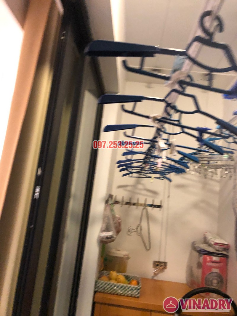 Sửa giàn phơi thông minh tại Royal City nhà chị Hải, căn 2409, tòa R6A - 04