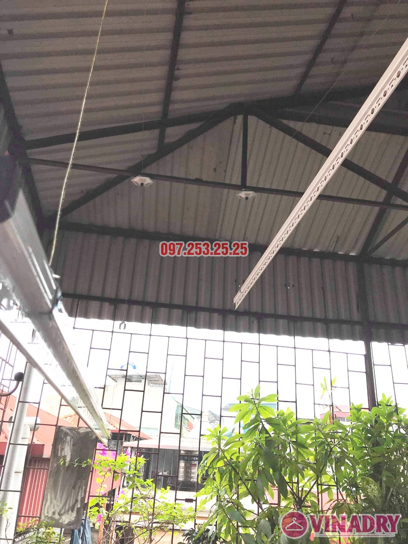 Diện mạo giàn phơi giá rẻ HP99B lắp tại trần mái tôn nhà chú Bản - 06