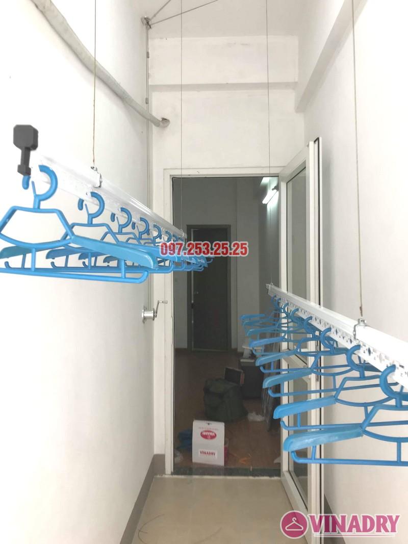 Hình ảnh giàn phơi giá rẻ Hp701 lắp tại lô gia chung cư AZ Sky Định Công - 03