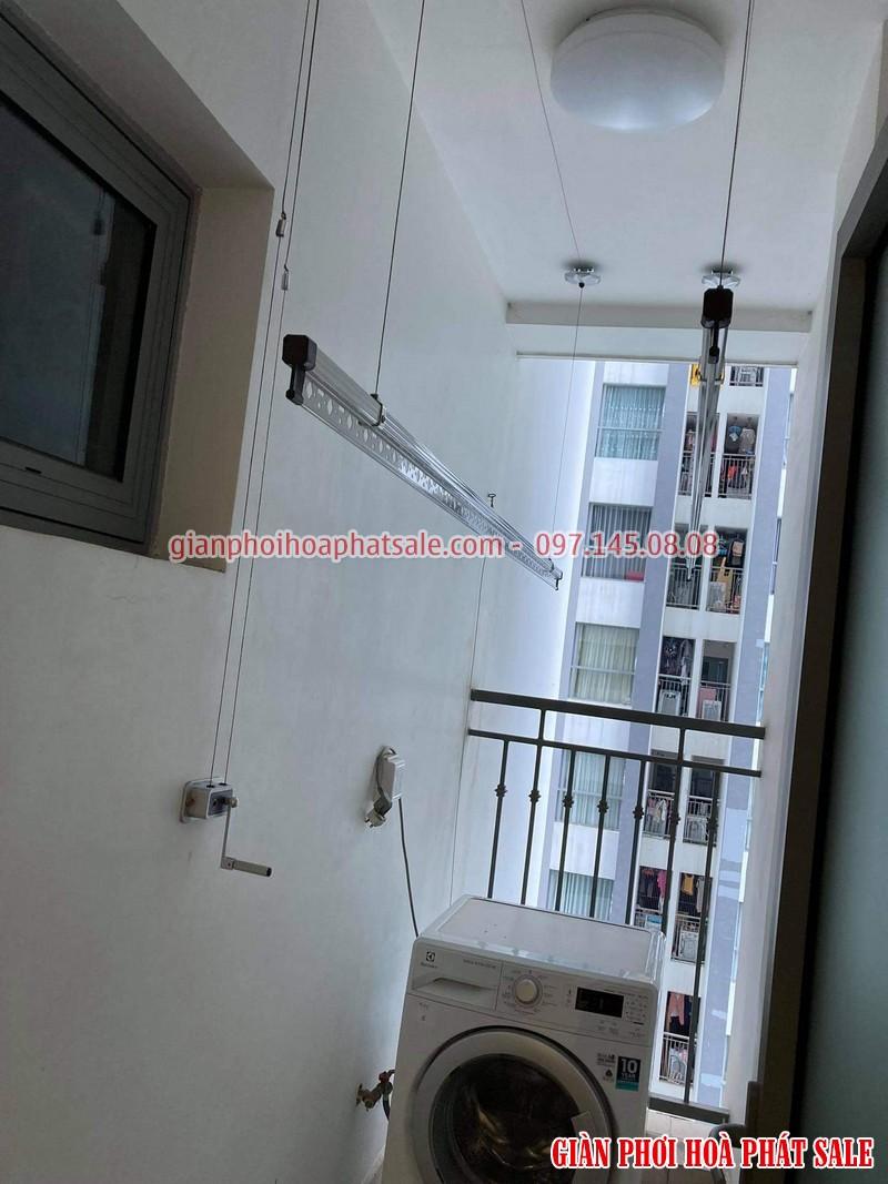 Hình ảnh thực tế giàn phơi Hòa Phát Q6 lắp tại logia chung cư - 01
